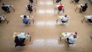 Auf Abstand: Abiturprüfung in Baden-Württemberg im Mai 2020