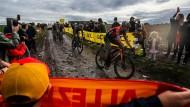 Die Königin der Klassiker, Paris–Roubaix: Beim diesjährigen Rennen kamen nur 96 Fahrer ins Klassement, 68 hatten aufgegeben, zehn waren am Zeitlimit gescheitert.