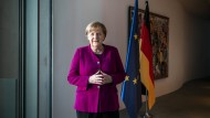Bundeskanzlerin im Interview – Merkel: Vorsichtig vorgehen, um kompletten Shutdown zu vermeiden