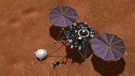Der Insight-Lander der Nasa kann mit einem Seismometer Aufschlüsse über das Innere des Mars liefern.