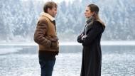 Sie haben Schuld auf sich geladen: Maxim (Franz Pätzold) und Sylvie (Laura de Boer).