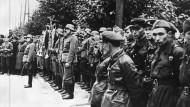22. September 1939, Brest-Litowsk: die deutschen Besatzer gehen, die sowjetischen Besatzer nehmen die damals polnische, heute weißrussische Stadt ein.