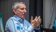 Der Vapiano-Chef Cornelius Everke während eines Interview am Dienstag in Frankfurt