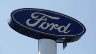 Ford muss in Deutschland über 100.000 Autos zurückrufen.