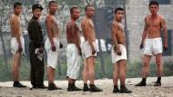 Die nordkoreanische Armee ist für diese Soldaten gewiss kein Zuckerschlecken. Jetzt geht es aber auch der Wirtschaft in Nordkorea wieder schlechter.