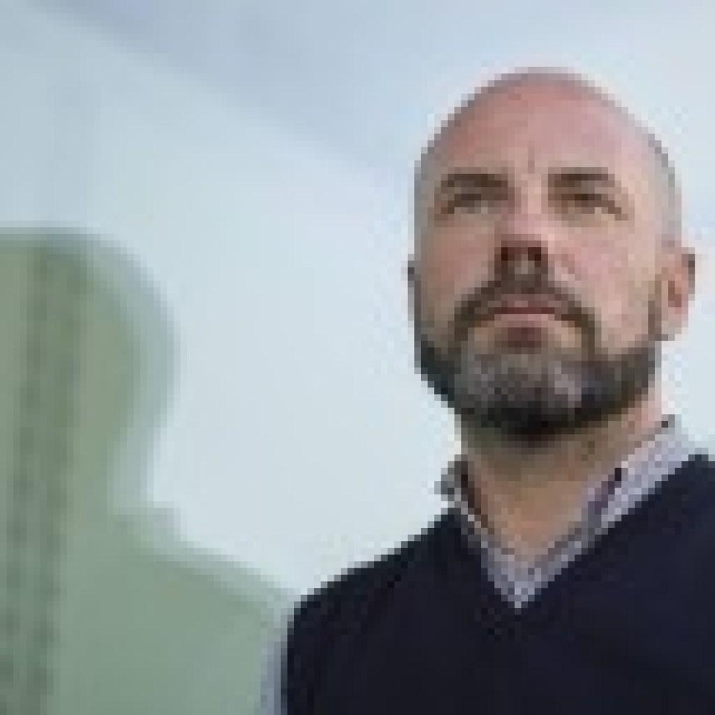 """Bücher-Podcast aus dem Literaturhaus Frankfurt: Daniel Wisser und sein Roman """"Wir bleiben noch"""""""