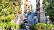 Straßenszene aus dem Viertel rund um die Piazza dell'Esquilino nahe dem römischen Hauptbahnhof