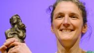 """Für die """"Königin des Sprungturms"""" 2014 mit dem Deutschen Jugendliteraturpreis ausgezeichnet: Martina Wildner"""