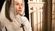 """Nonnen im Himalaja: die Serienadaption von """"Black Narcissus"""" bei Disney+"""