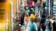 Bilder aus einer anderen Zeit: Andrang am Eröffnungstag der Frankfurter Buchmesse 2016