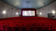 Seit dem Jahr 2000 hat sich die Zahl der Kinobesuche in Deutschland fast halbiert. Tim Richards, der Chef der Kinokette Vue (Cinemaxx, Cinestar) glaubt trotzdem: Bald gibt es Zuschauerrekorde.