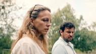Im Zweifel selbstgerecht? Lona Mendt (Petra Schmidt-Schaller) und Frank Elling (Sascha Gersak) müssen sich entscheiden.