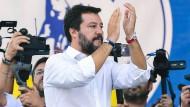 Applaudiert zwar nicht, findet sich aber mit dem Euro ab: Matteo Salvini
