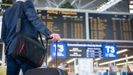 Wahre Bargeldanhänger gibt es nach wie vor viele - vor allem unter den Reiseprofis.