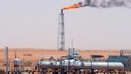 Ölförderung in Saudi Arabien: Das wichtige Ölland fördert freiwillig etwas weniger – um den Preis hochzutreiben.
