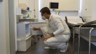 """Corona-Impfung beim Hausarzt: """"Wir bestellen die Patienten jetzt aktiv ein"""""""
