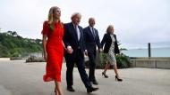 Haben Großes vor: Boris Johnson und Joe Biden am Donnerstag mit ihren Ehefrauen in Cornwall