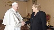 Sie schätzen und mögen sich: Papst Franziskus und Angela Merkel