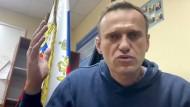 Nawalnyjs Rückkehr: Gefangen beim bösen Zauberer