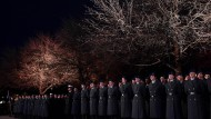 Hier sitzt alles: Rekruten beim Gelöbnis am 18. November im Münchner Hofgarten