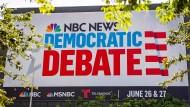 In Florida wird für die Debatte der Demokraten geworben.