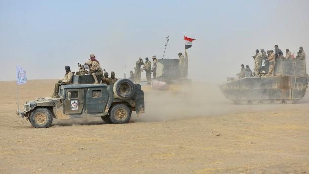 © Reuters Irakische Truppen rücken auf Tal Afar vor.