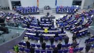 Standing Ovations für die Bundeskanzlerin: Abgeordnete am 7. September im Bundestag