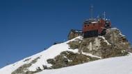 Unverfälschte Daten aus 3105 Metern Höhe: Wetterwarte und Zittelhaus am Sonnblick.