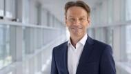 Uwe Hochgeschurtz ist der neue Opel-Chef.