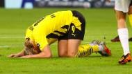 Später BVB-Sieg in Stuttgart: Sogar Haaland geht auf die Knie