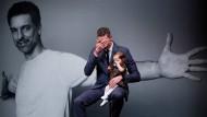 Tränenreicher Abschied: Pau Gasol mit seiner Tochter in Barcelona