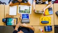 """Auf der Suche nach dem digitalen Unterricht: Für """"Classcraft"""" braucht es noch nicht mal Tablets im Klassenzimmer."""