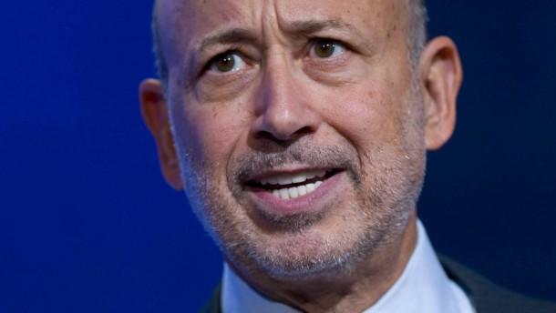 US officials probe Goldman on Libyan fund: source