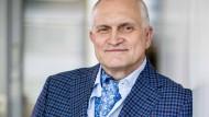 """Christoph Schmidt war seit März 2013 Vorsitzender des Sachverständigenrats zur Begutachtung der gesamtwirtschaftlichen Lage, auch """"Wirtschafsweisen"""" genannt."""