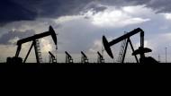 Die Unruhen in den Vereinigten Staaten wirken sich auch auf die Ölpreise aus.