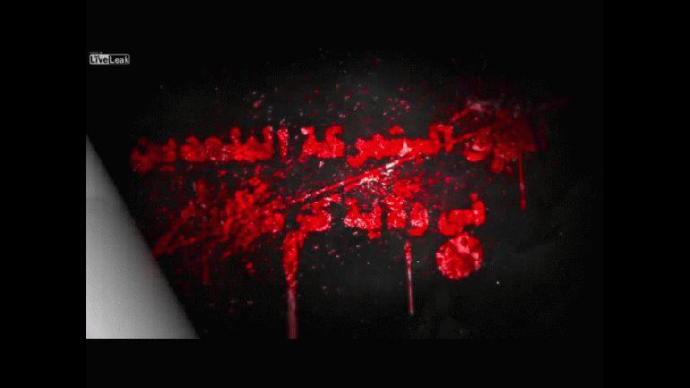 Video difundido el 13 de febrero: el desfile con los prisioneros enjaulados
