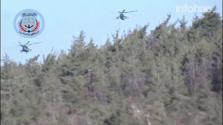 Rebeldes sirios mostraron en un video la destrucción de un helicóptero de rescate ruso en la frontera con Turquía