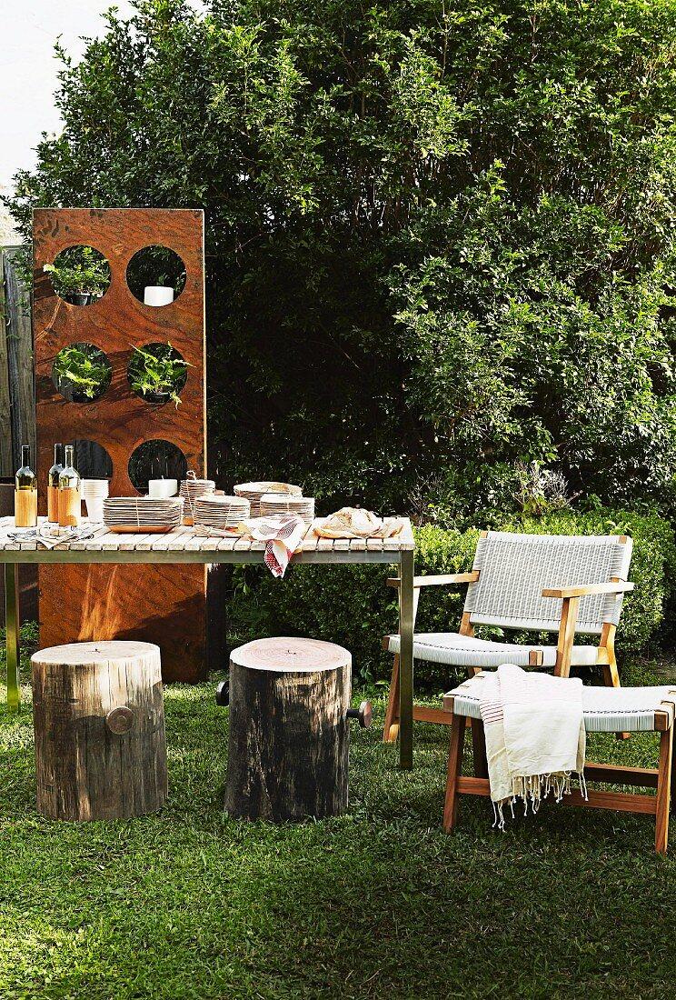 Set Table Tree Stump Stools And Buy Image 11285950 Living4media
