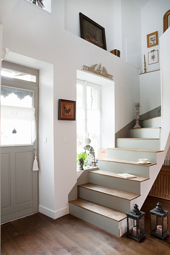 Staircase With Grey Risers Next To Front … – Buy Image – 12487541   Front Staircase House Design   Residential   Outside   Front Jina   Home Front Valuation   Sitout