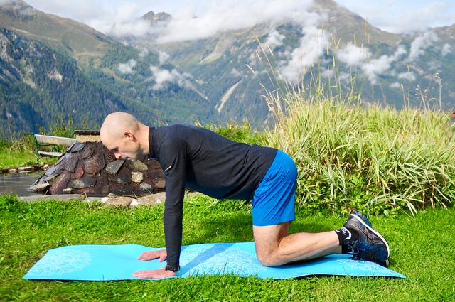Fit for the winter with Gerald Kammerlander - Exercise 9: leg lift