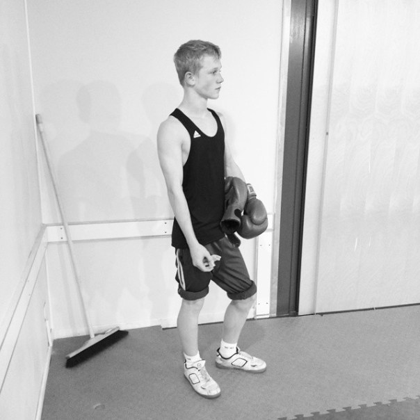 Waiting for his turn. #sparring #boxing #mrtorture