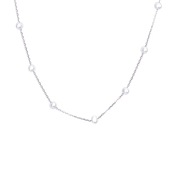 A choker-like necklace with freshwater pearls 3