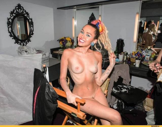 Miley Cyrus Celeb Masta 104
