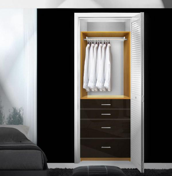 Small Closet with Drawers