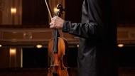 Christoph Koncz durfte Mozarts Violinenkonzerte auf dessen eigener Geige einspiele und verliebt sich in den Klang des Instruments.