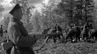 Massaker in Moskaus Auftrag: Im April 1940 ermordete die Geheimpolizei NKWD rund 4400 polnische Offiziere im Wald bei Katyń.