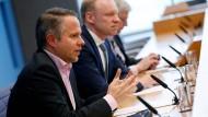 Andreas Peichl, Leiter des Ifo-Zentrums für Makroökonomik und Befragungen (links) und Clemens Fuest, Leiter des Ifo-Instituts (rechts)
