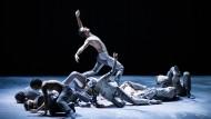 In der Gewalt der Wellen: Ballettabend an der Pariser Oper wird zum Film