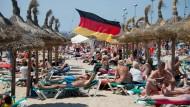 Spanien ist das beliebteste Urlaubsziel der Deutschen. Dabei zahlen die Sonnenhungrigen an der Playa de Palma auf Mallorca mehr als in anderen Ländern.