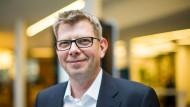 Thorsten Dirks will schnelles Internet in Deutschlands Dörfer bringen.